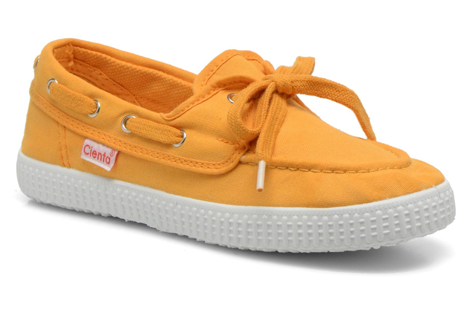 Lace-up shoes Cienta Martino Yellow detailed view/ Pair view