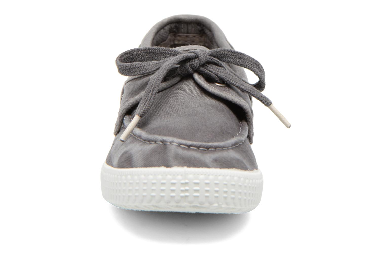 Lace-up shoes Cienta Martino Grey model view
