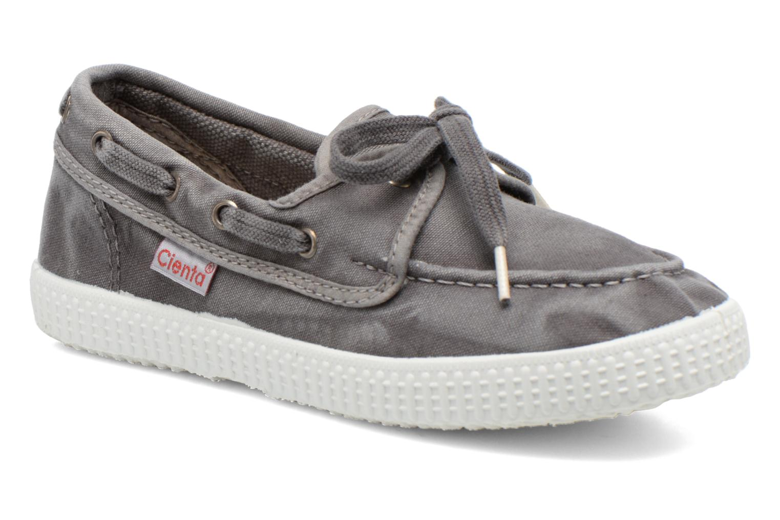 Lace-up shoes Cienta Martino Grey detailed view/ Pair view