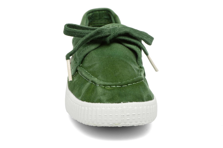 Lace-up shoes Cienta Martino Green model view