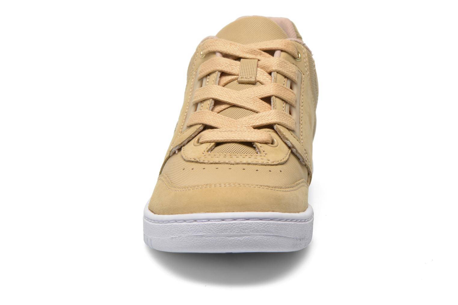 Baskets Lacoste Indiana 116 G2 Beige vue portées chaussures