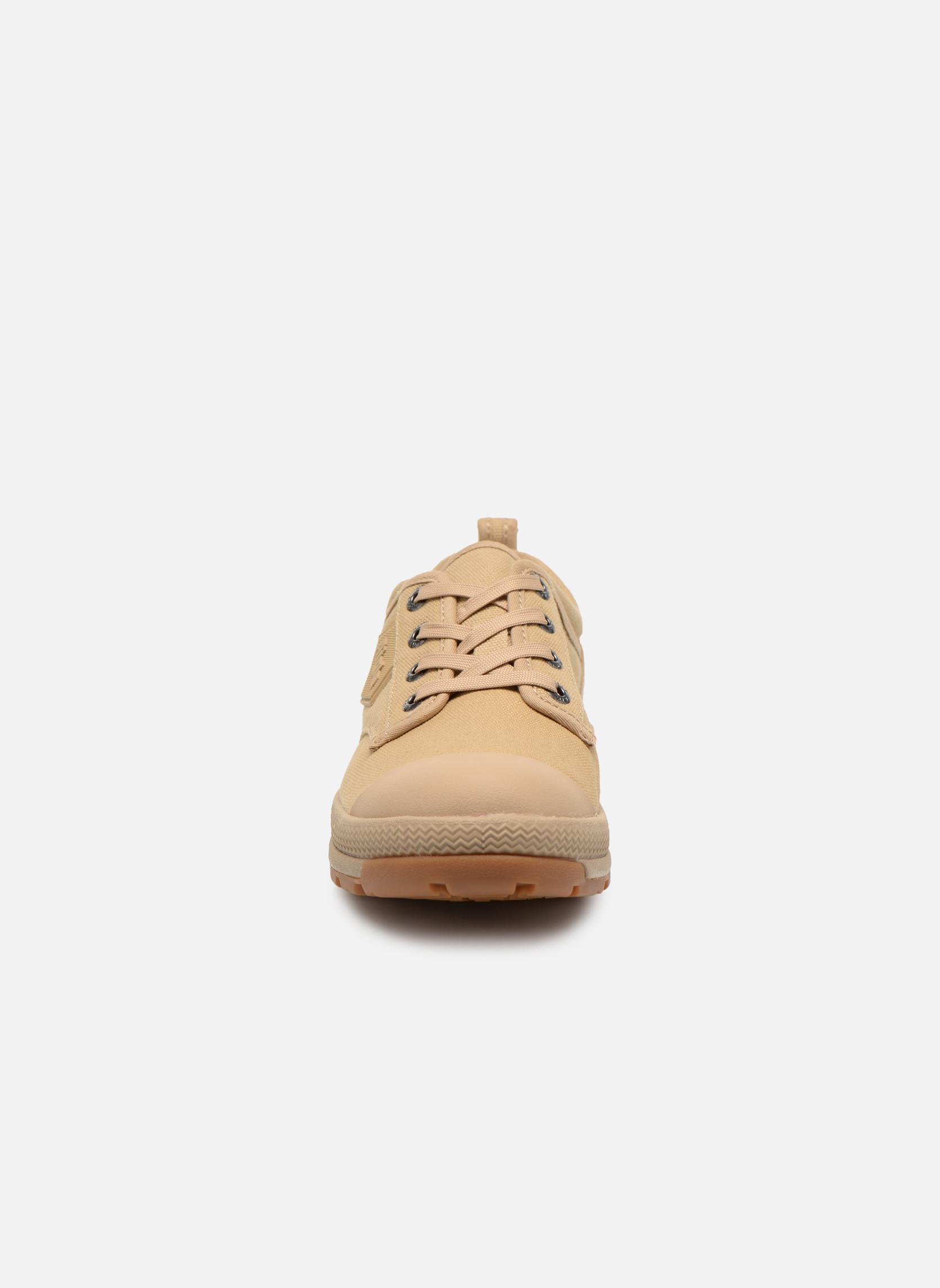 Chaussures à lacets Aigle Tenere 3 Light Low W Beige vue portées chaussures