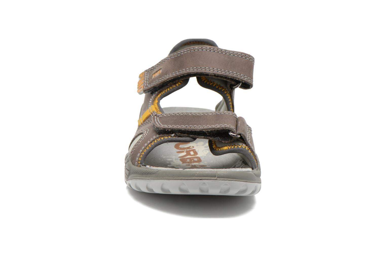 Sandales et nu-pieds Primigi Tyon-E Gris vue portées chaussures