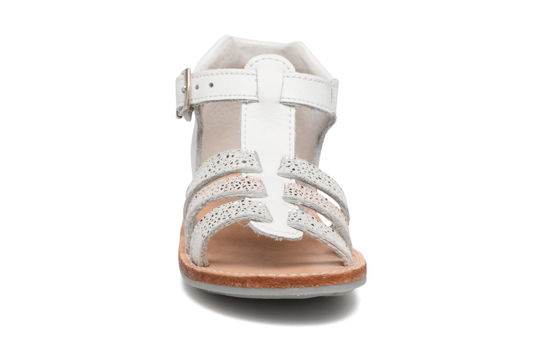 Sandales et nu-pieds Minibel Keglae Blanc vue portées chaussures