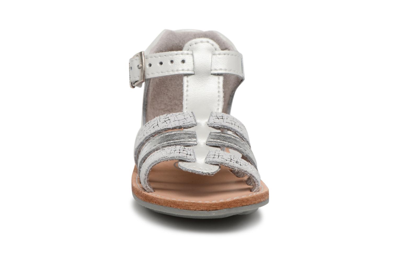 Sandali e scarpe aperte Minibel Keglae Argento modello indossato