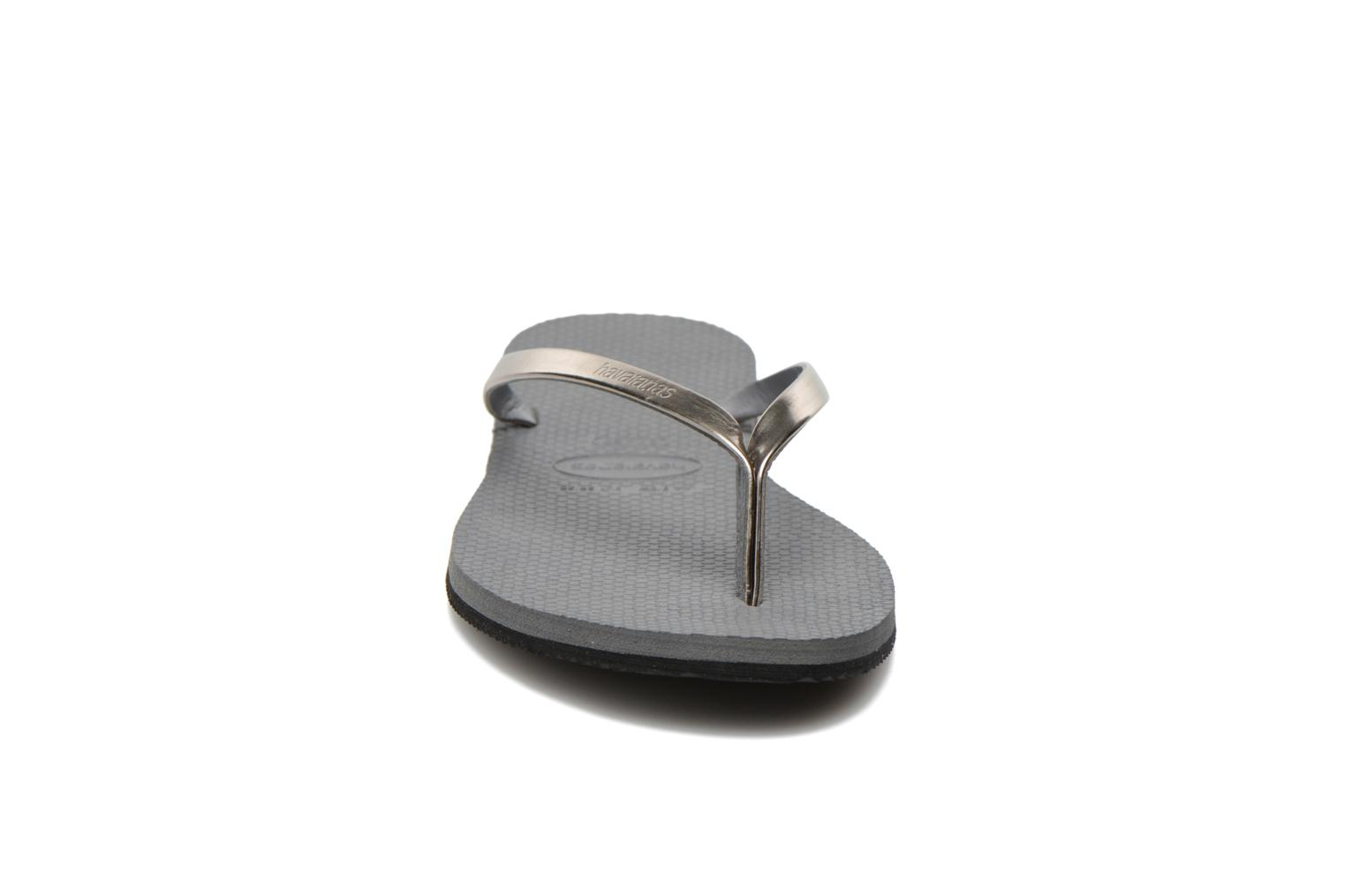 Chanclas Havaianas You Metallic Gris vista del modelo