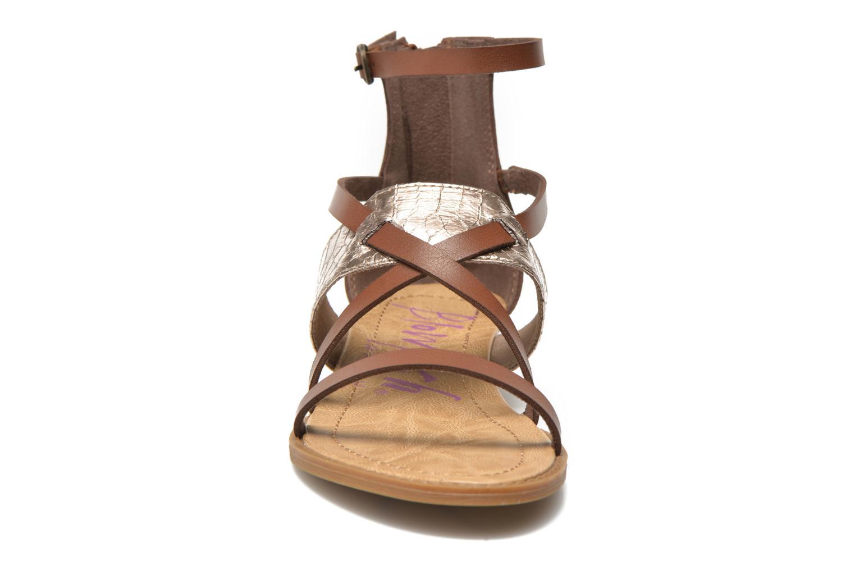 Sandales et nu-pieds Blowfish Badot Marron vue portées chaussures