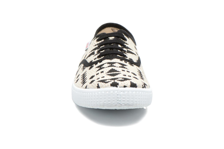 Sneakers Victoria Ingles Geometrico Lurex Nero modello indossato