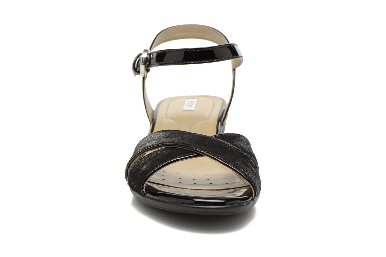 Sandales et nu-pieds Geox D NEW CORAL C D62S3C Noir vue portées chaussures
