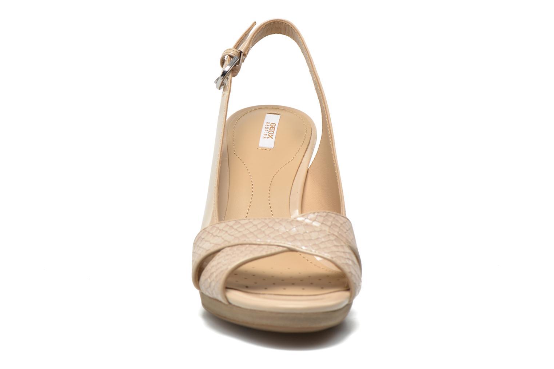 Sandales et nu-pieds Geox D LANA B D62Q6B Beige vue portées chaussures