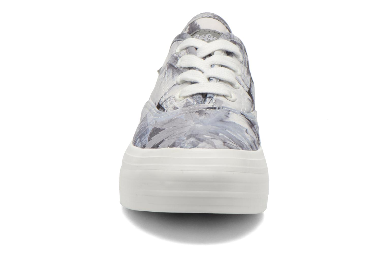 Baskets Refresh Holly 62081 Gris vue portées chaussures