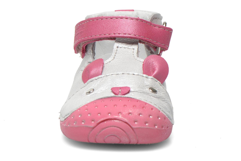 Chaussons Babybotte Zouris Blanc vue portées chaussures