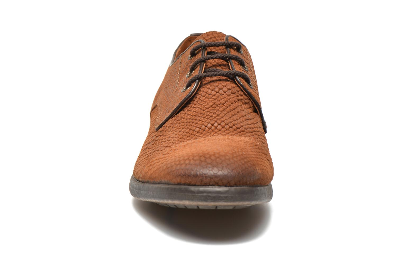 Chaussures à lacets Schmoove Bandit Cooper Marron vue portées chaussures