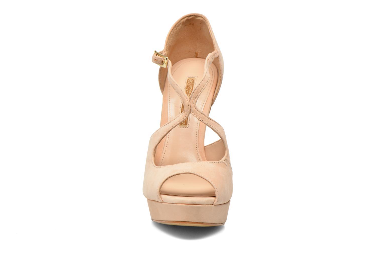 Sandales et nu-pieds Buffalo Alicia Beige vue portées chaussures
