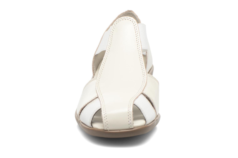Sandals Aerosoles Easy Rider White model view
