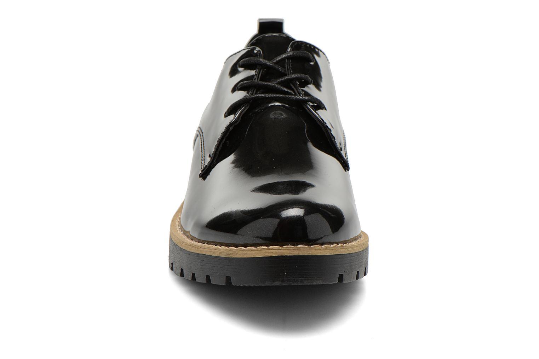 Snøresko I Love Shoes THALY Sort se skoene på