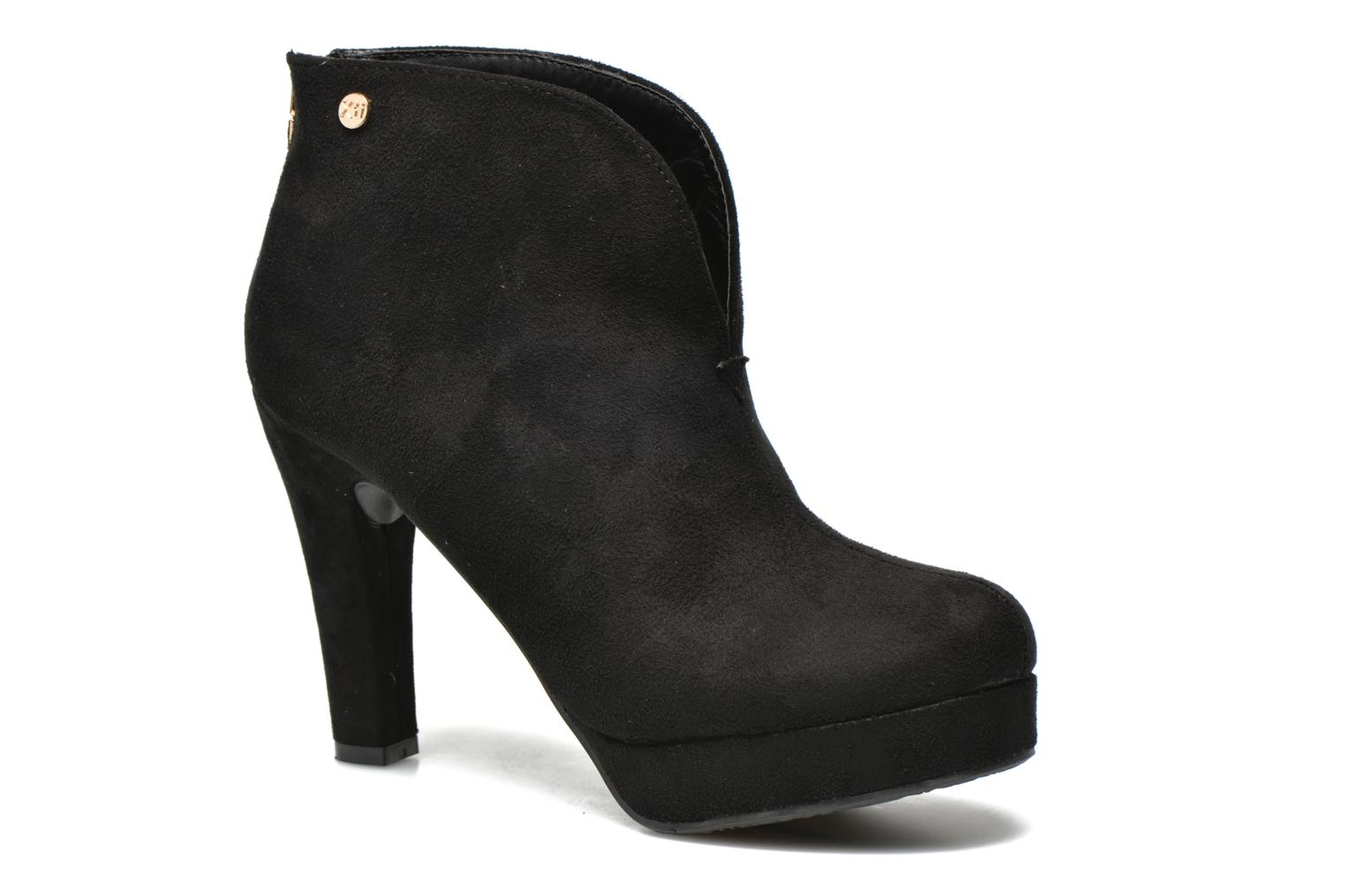 Ankle boots Xti Hulopo Black detailed view/ Pair view