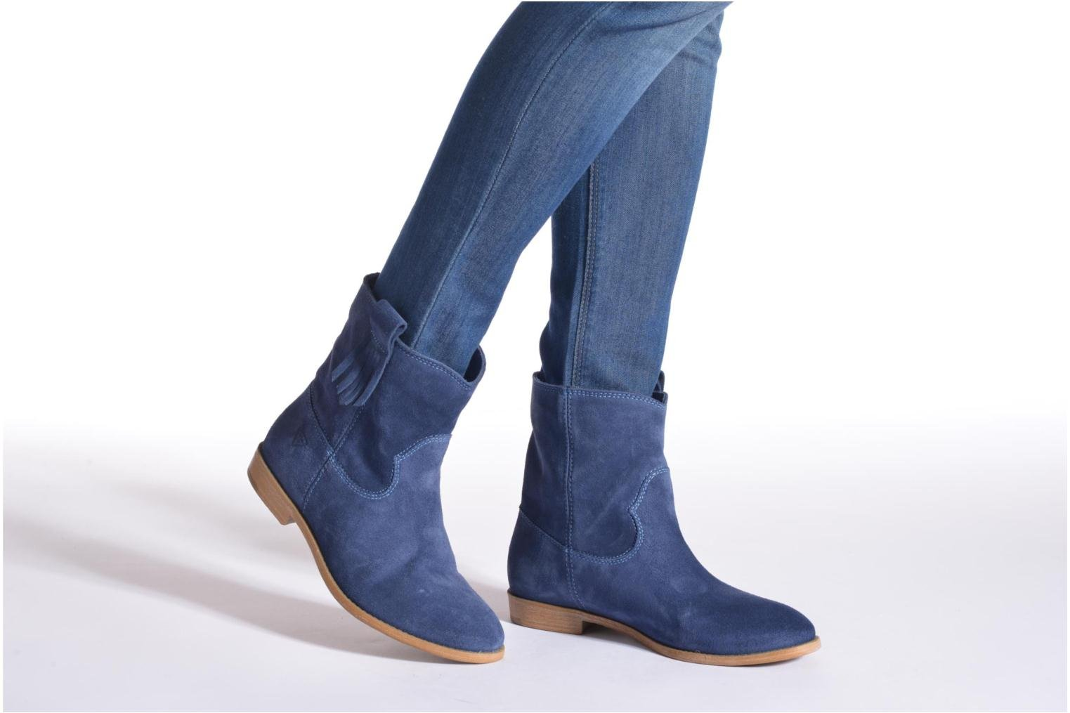 Ankle boots Tamaris Selina Blue view from underneath / model view