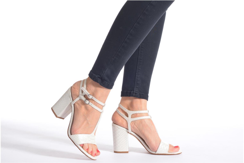 Sandalen What For Joly schwarz ansicht von unten / tasche getragen