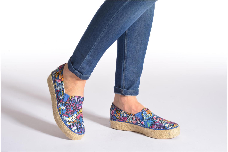 Sneaker Keds Triple Decker Liberty Floral mehrfarbig ansicht von unten / tasche getragen