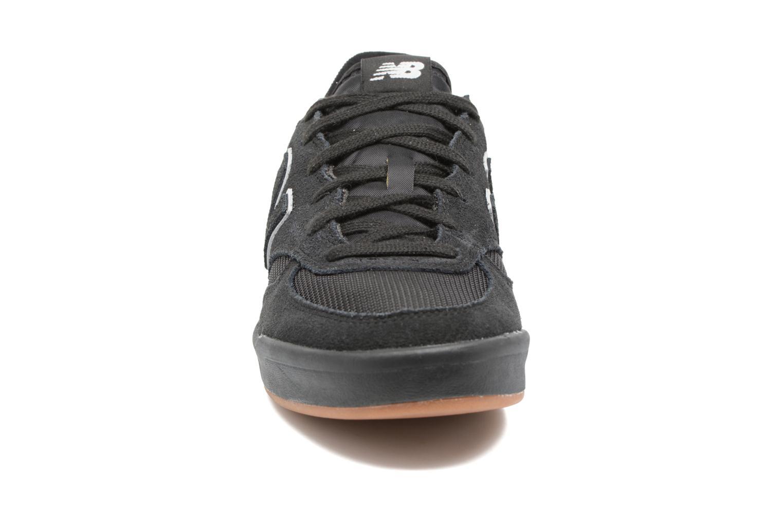 Sneaker New Balance CRT300 schwarz schuhe getragen