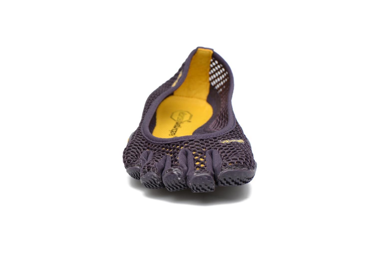 Scarpe sportive Vibram FiveFingers Vi-B Viola modello indossato