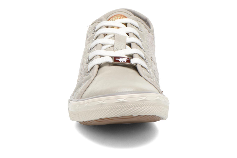 Baskets Mustang shoes Hannah Gris vue portées chaussures