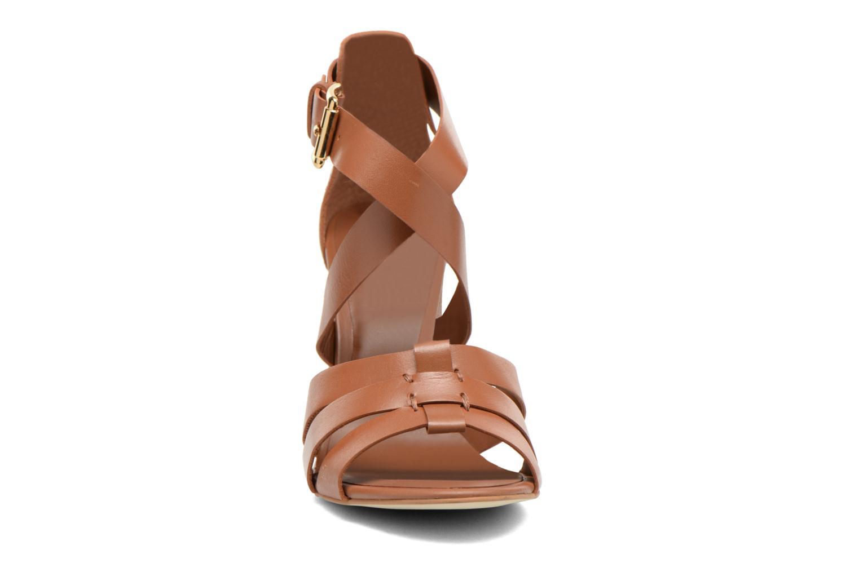 Sandales et nu-pieds Minelli F93 800 Marron vue portées chaussures
