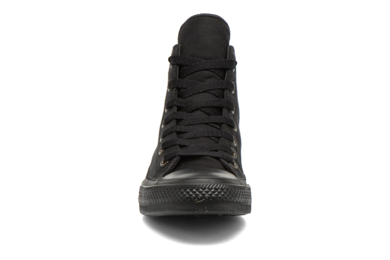 Sneakers Converse Chuck Taylor All Star II Hi W Nero modello indossato