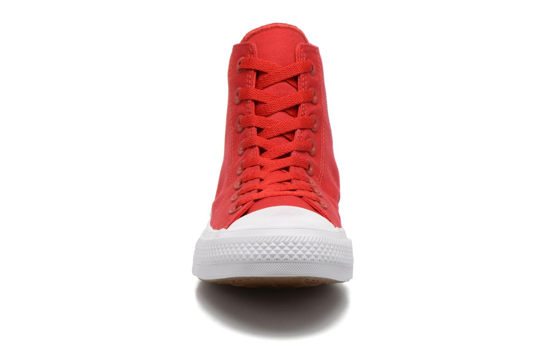Baskets Converse Chuck Taylor All Star II Hi M Rouge vue portées chaussures