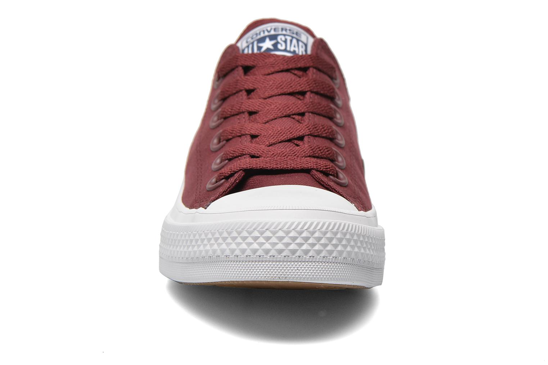 Sneakers Converse Chuck Taylor All Star II Ox M Vinröd bild av skorna på