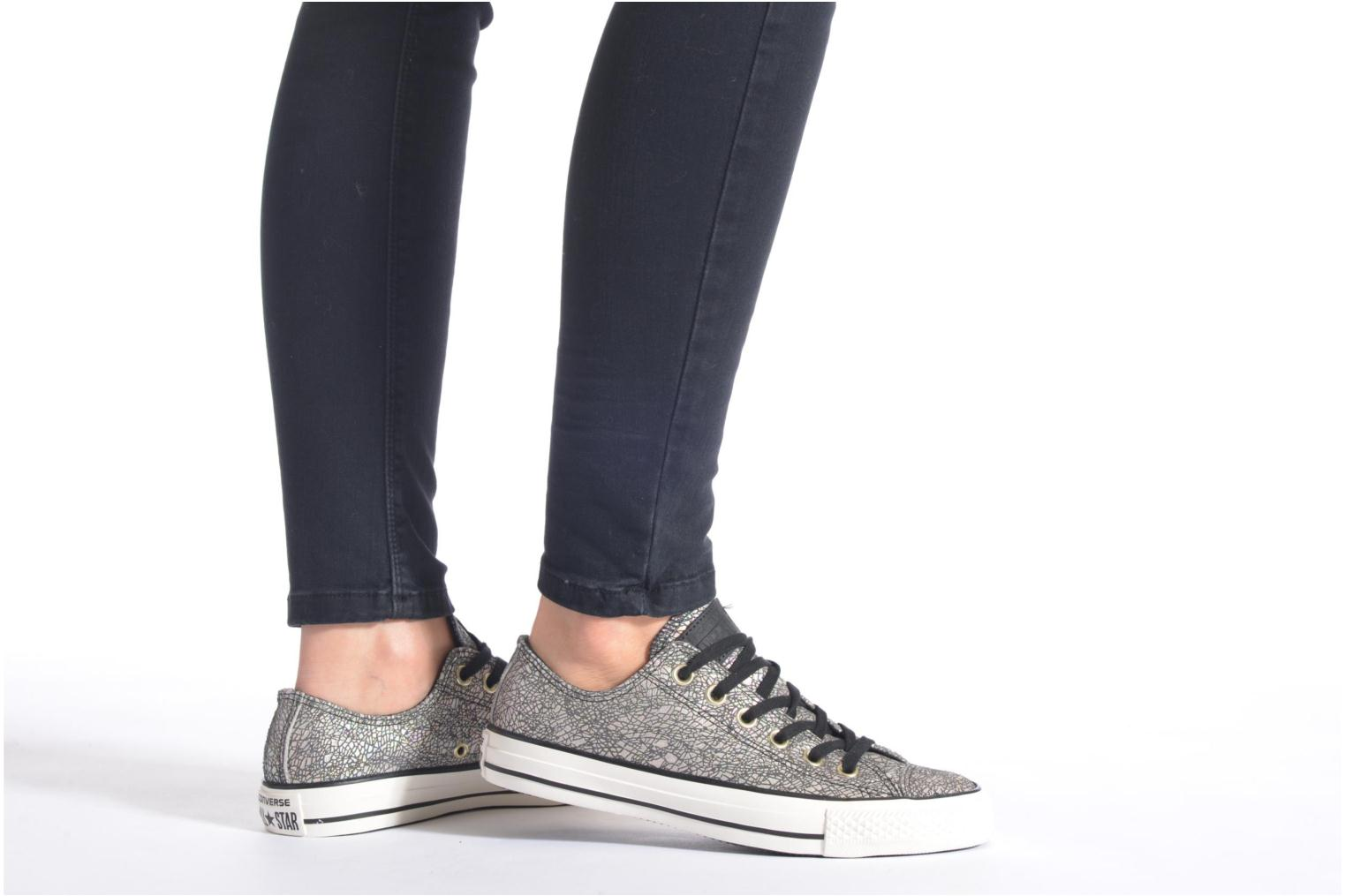 Baskets Converse Chuck Taylor All Star Ox Oil Slick Leather W Argent vue bas / vue portée sac