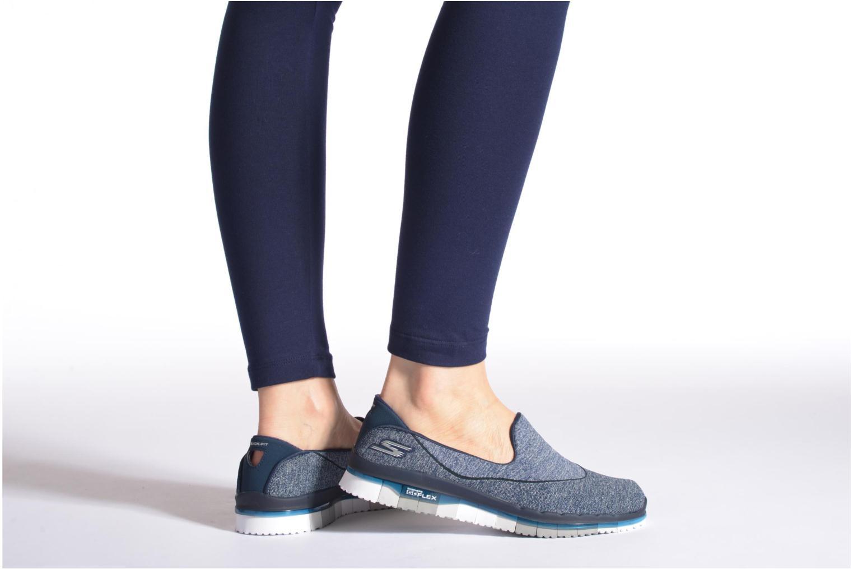 Sportschuhe Skechers Go Flex 14010 blau ansicht von unten / tasche getragen