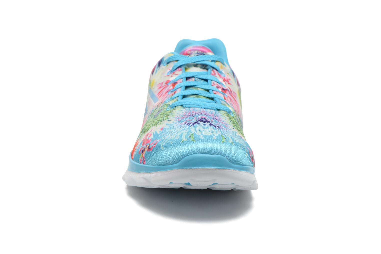Chaussures de sport Skechers Go Fit Tr - Bayrose 14091 Bleu vue portées chaussures