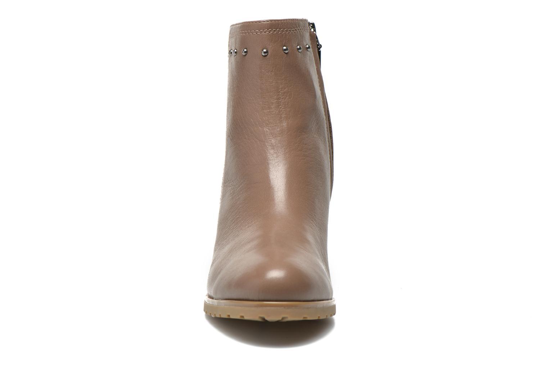 Bottines et boots Geox D Lise ABX D52D1C Marron vue portées chaussures