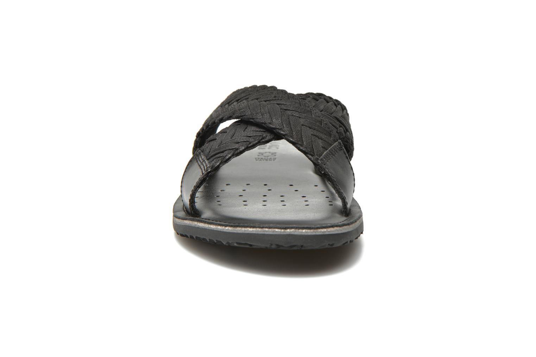 Sandales et nu-pieds Geox U Artie U52V1I Noir vue portées chaussures