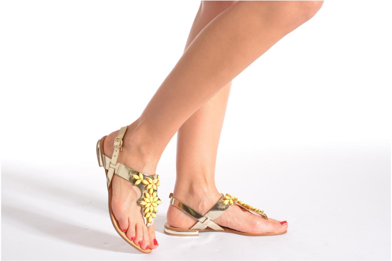 Sandales et nu-pieds Georgia Rose Dollie Or et bronze vue bas / vue portée sac
