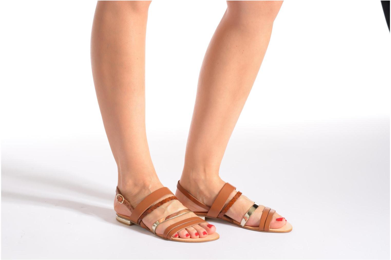 Sandales et nu-pieds Georgia Rose Doloress Marron vue bas / vue portée sac