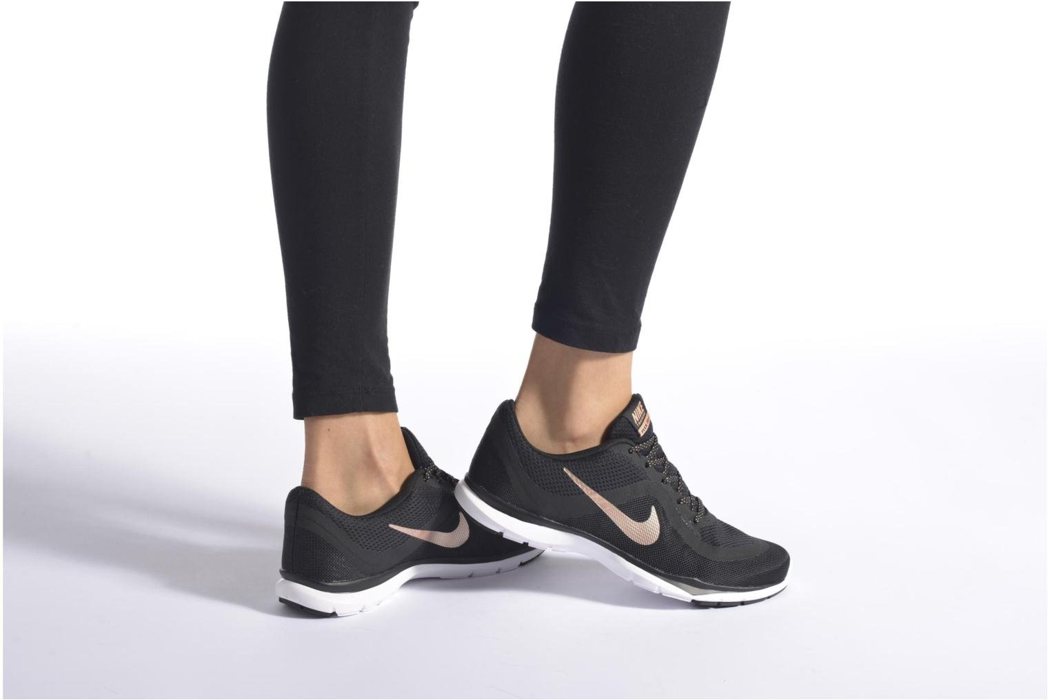 Sport shoes Nike Wmns Nike Flex Trainer 6 Black view from underneath / model view