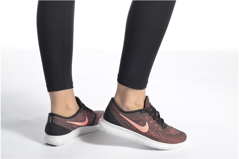 Chaussures de sport Nike Wmns Nike Free Rn Noir vue bas / vue portée sac