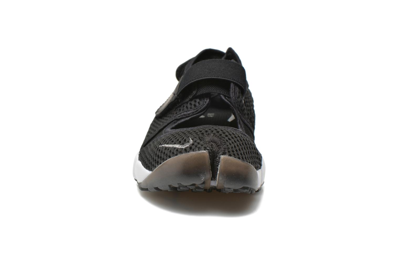 Baskets Nike Wmns Nike Air Rift Br Noir vue portées chaussures