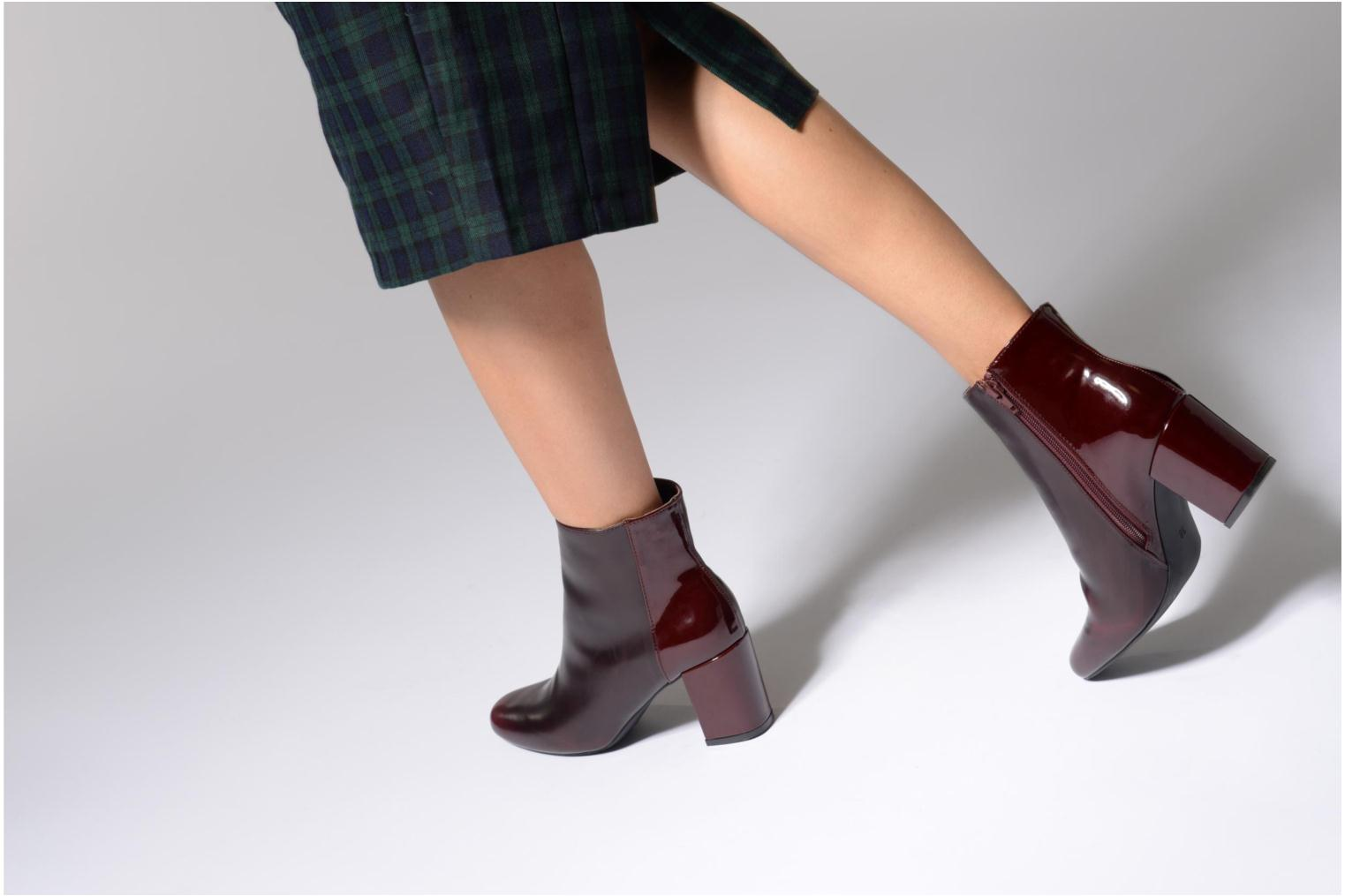 Ankle boots I Love Shoes THEBAIN Burgundy view from underneath / model view