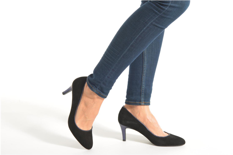 Pumps Made by SARENZA Notting Heels #10 schwarz ansicht von unten / tasche getragen
