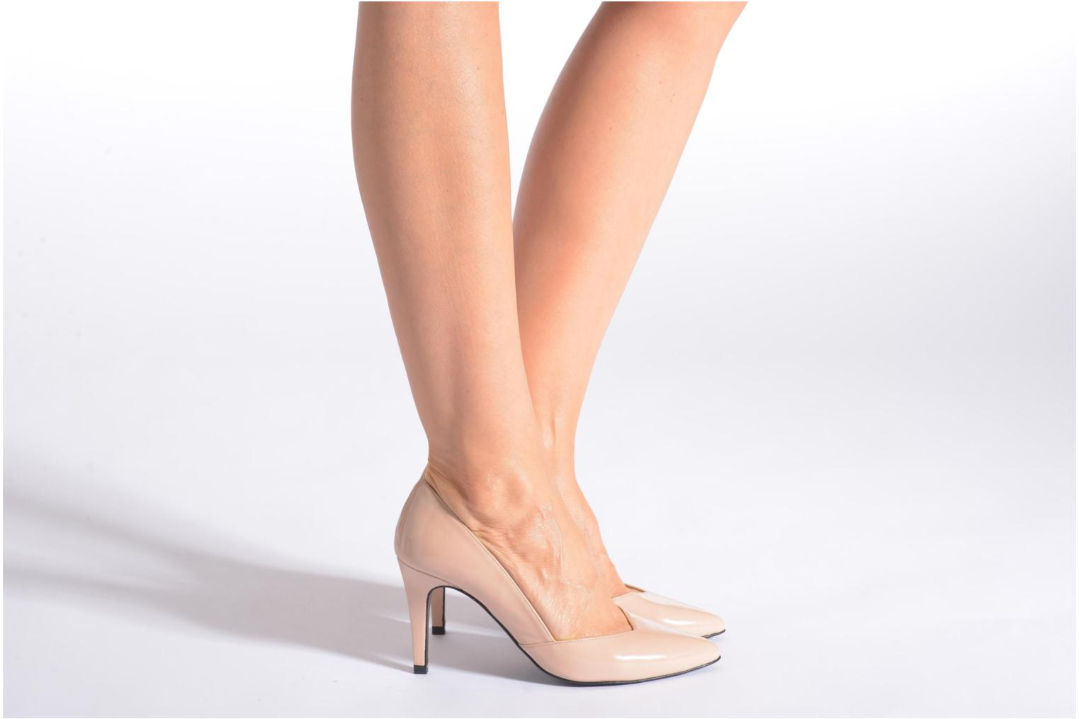 High heels Made by SARENZA Glossy Cindy #11 Beige view from underneath / model view