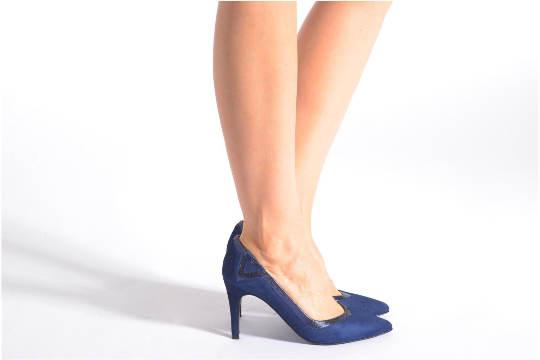 Escarpins Made by SARENZA Glossy Cindy #6 Bleu vue bas / vue portée sac