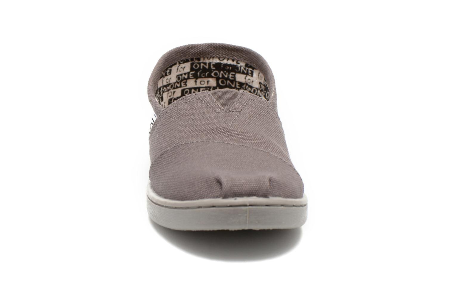 Trainers TOMS Canvas Classics Grey model view