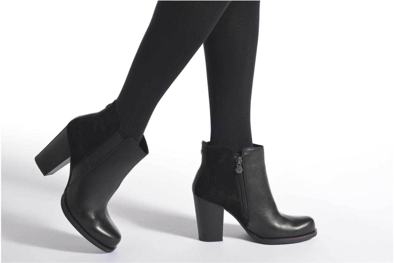 Bottines et boots Tommy Hilfiger JADE 11C Noir vue bas / vue portée sac