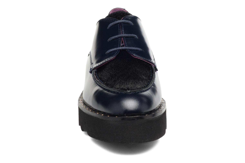 Scarpe con lacci Anaki Virginia Azzurro modello indossato