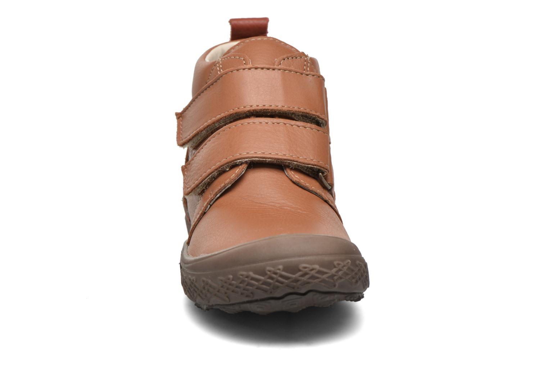 Zapatos con velcro Bopy Vayon Beige vista del modelo