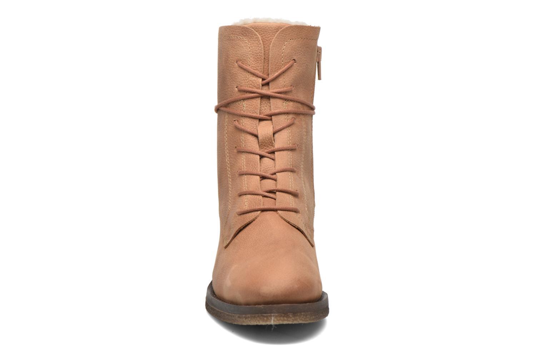 Bottines et boots Bullboxer Ambika Marron vue portées chaussures